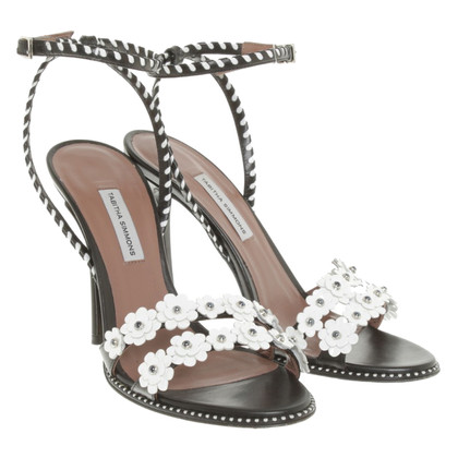 Tabitha Simmons Sandals in zwart / White