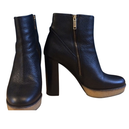 Hugo Boss Ankle Boots in Schwarz