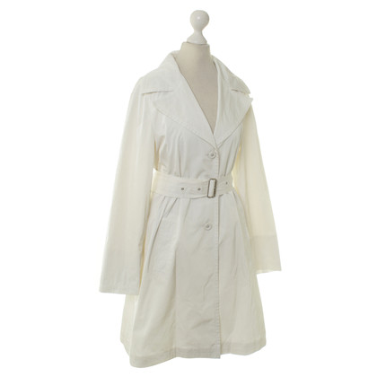 René Lezard Coat in white