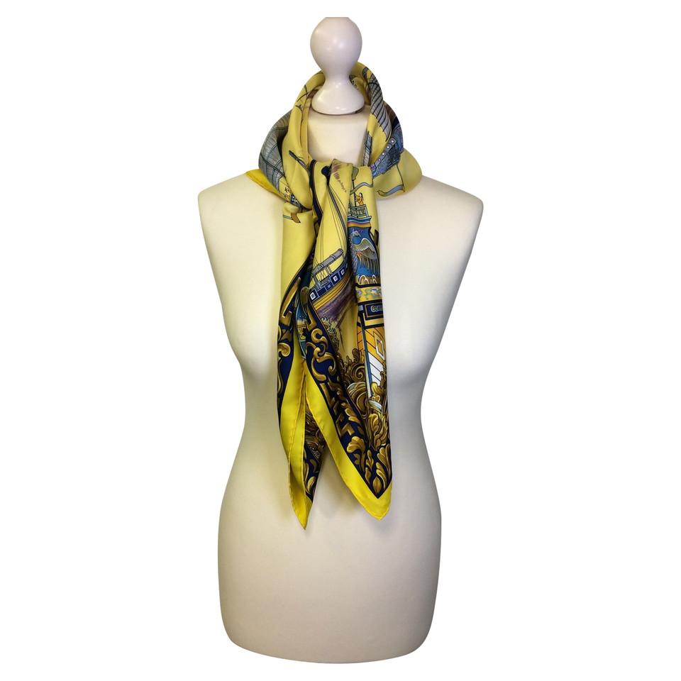 herm s foulard de soie acheter herm s foulard de soie second hand d 39 occasion pour 239 00. Black Bedroom Furniture Sets. Home Design Ideas