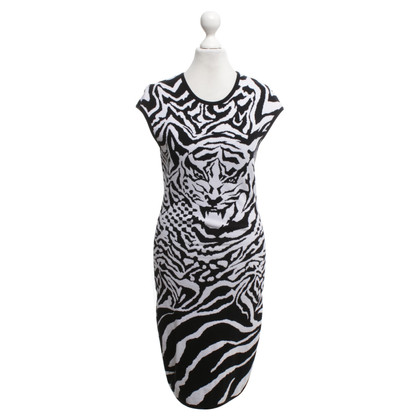 Alexander McQueen Knit dress in black and white