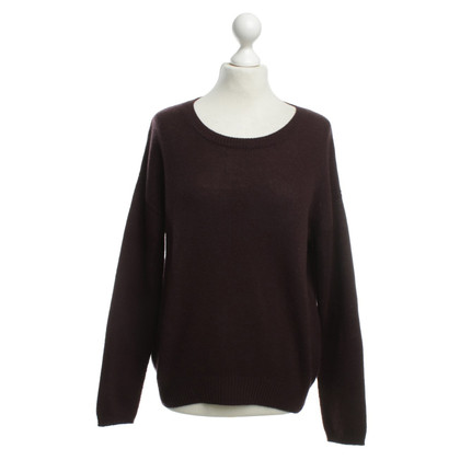 Allude Knit in Bordeaux