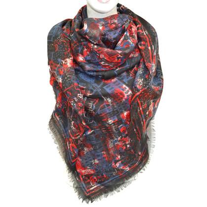 Alexander McQueen XXL cloth with silk content