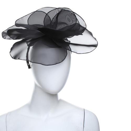 7d1f3f7c0aded Giorgio Armani Hat   fascinator in black - Second Hand Giorgio ...
