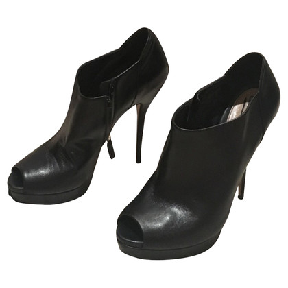Gucci Black stitch with pointed heel