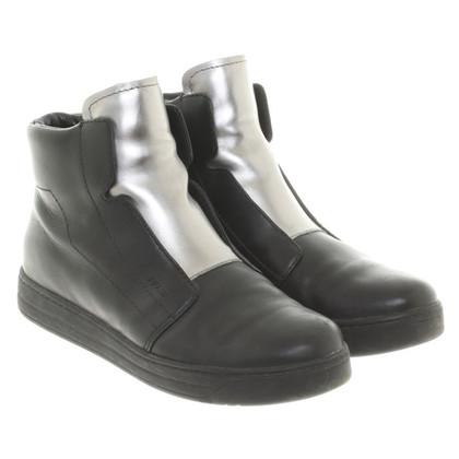 Prada Schuhe mit Metallic Details