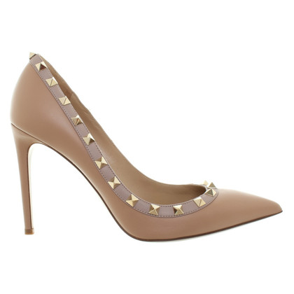 "Valentino ""Rockstud"" pumps in Nude"