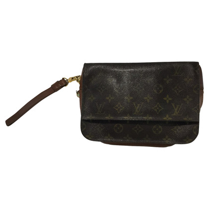 Louis Vuitton Cutch
