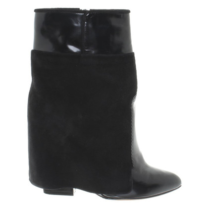 Givenchy Enkellaars in zwart