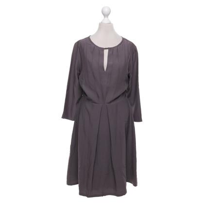 Kaviar Gauche Vestito di grigio