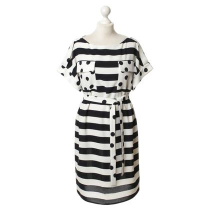 Carolina Herrera Sheath dress with pattern