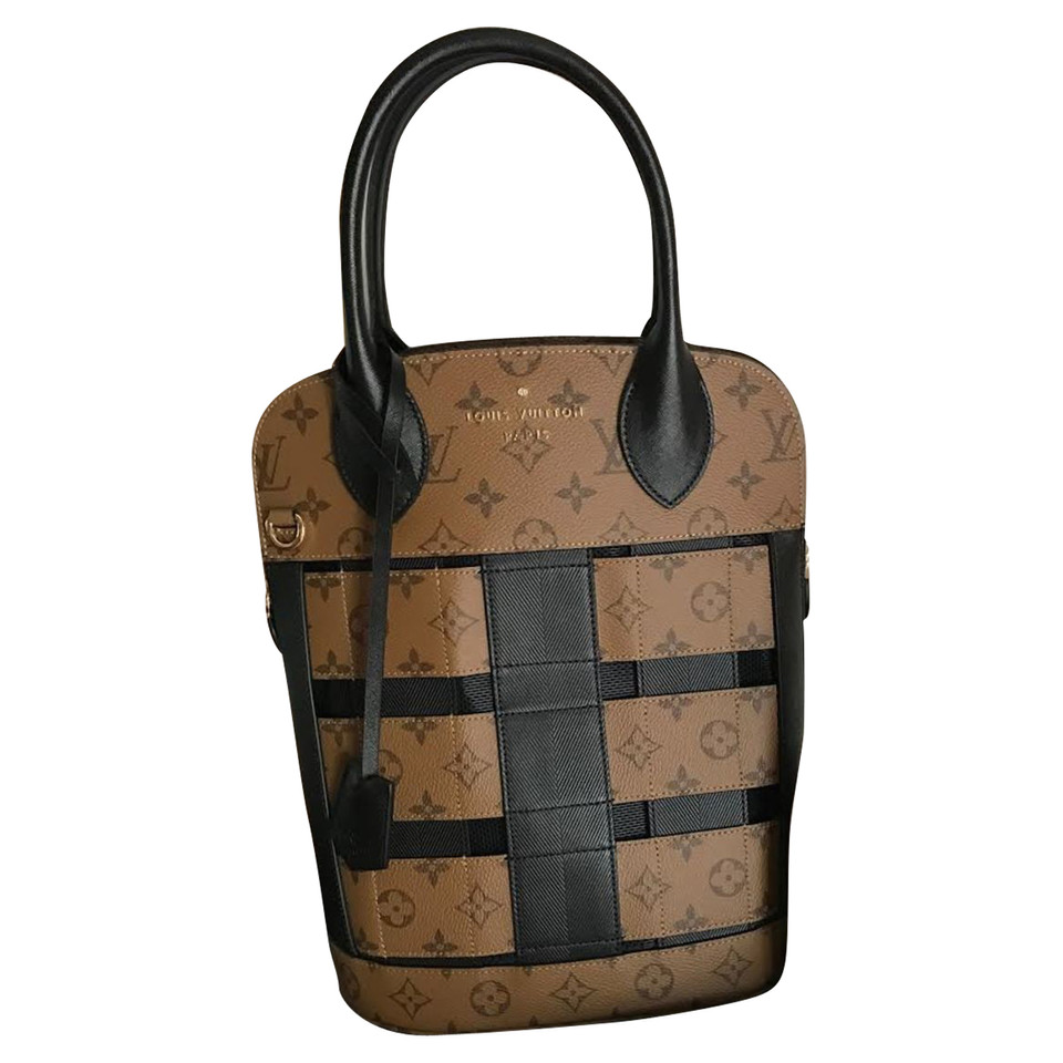 louis vuitton tressage tote buy second hand louis vuitton tressage tote for 3. Black Bedroom Furniture Sets. Home Design Ideas