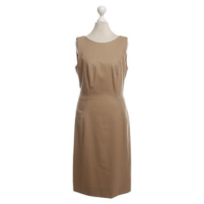 Hugo Boss Beigefarbenes Kleid aus Wolle