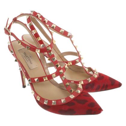 Valentino Rockstud pumps in red