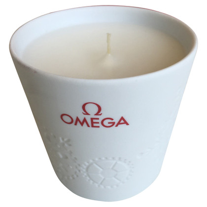 Omega Scented candle in porcelain glass