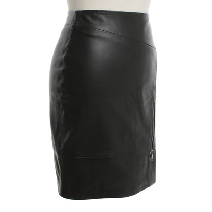 Hugo Boss Leather skirt in black
