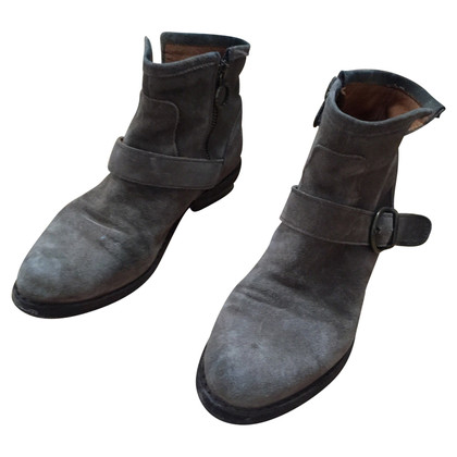 Fiorentini & Baker Grey suede ankle boots