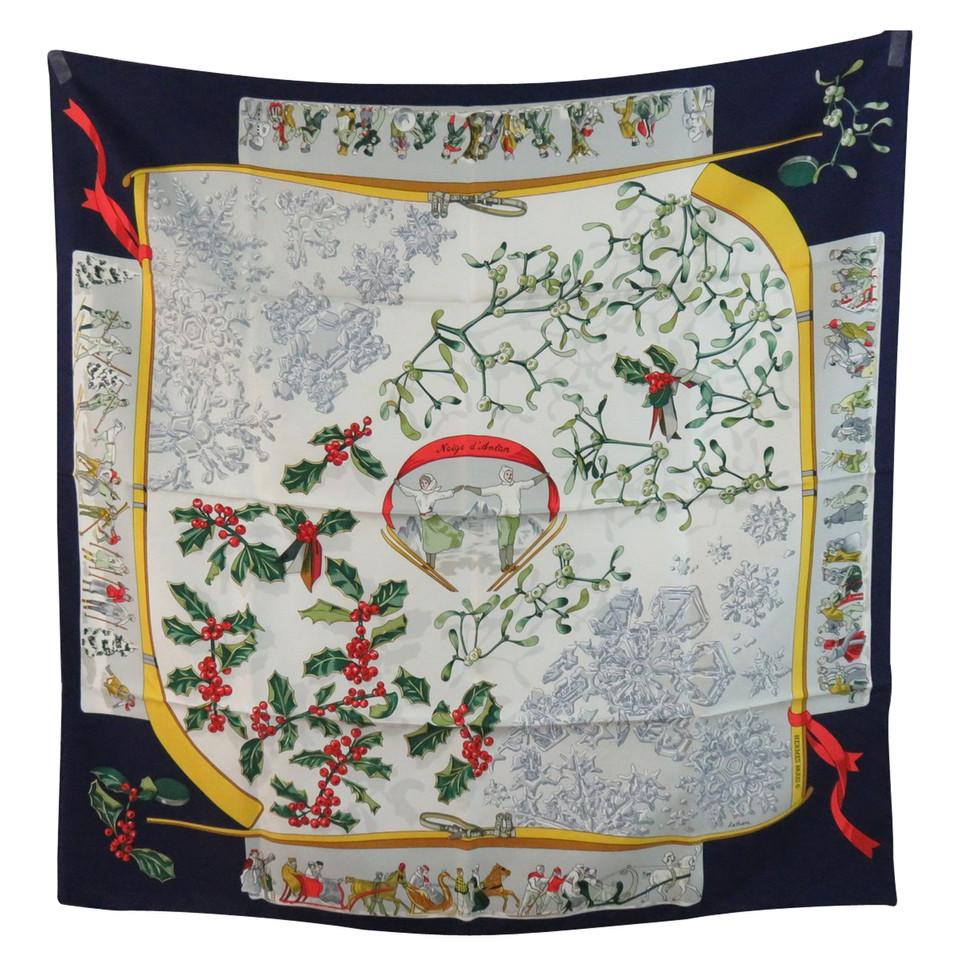herm s foulard en soie neige d 39 antan acheter herm s foulard en soie neige d 39 antan second. Black Bedroom Furniture Sets. Home Design Ideas