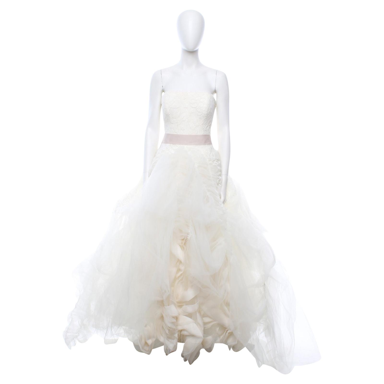 """Vera Wang Hochzeitskleid """"Ophelia"""" in Creme - Second Hand Vera"""