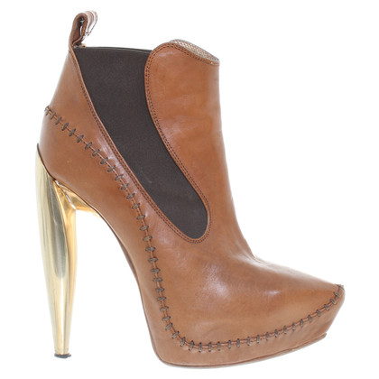 Alexander McQueen Ankle boots in Brown