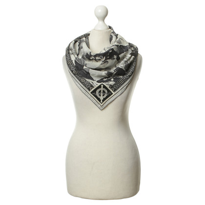 Gianni Versace Silk scarf in black and white