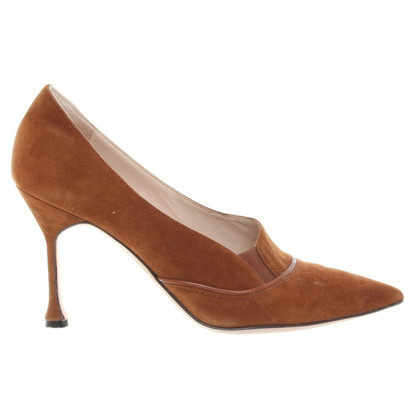 Manolo Blahnik Wildlederpumps in Braun