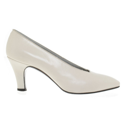 Christian Dior Pumps in Creme