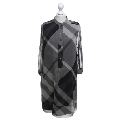 Burberry Silk dress with pattern