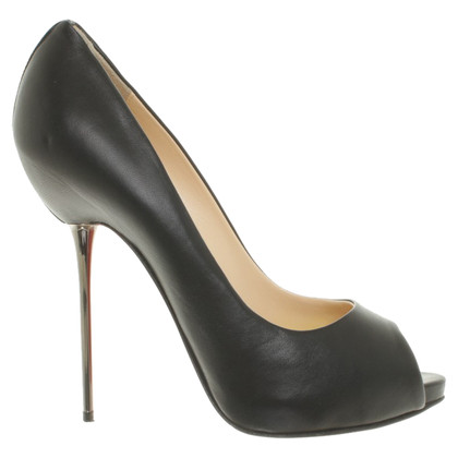 Christian Louboutin Peeptoes in zwart