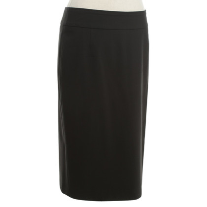 Hugo Boss skirt in black