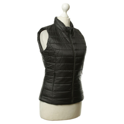 Rich & Royal Vest in black