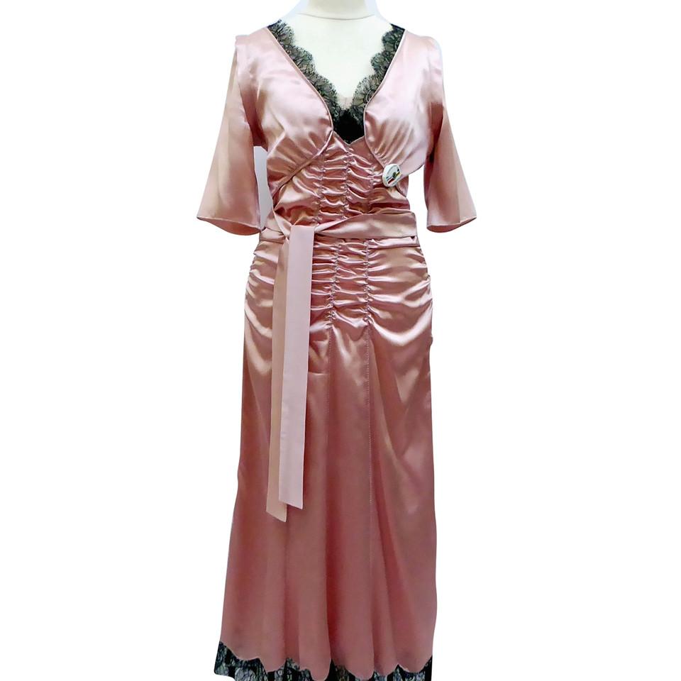 prada robe en soie avec dentelle noire acheter prada robe en soie avec dentelle noire second. Black Bedroom Furniture Sets. Home Design Ideas