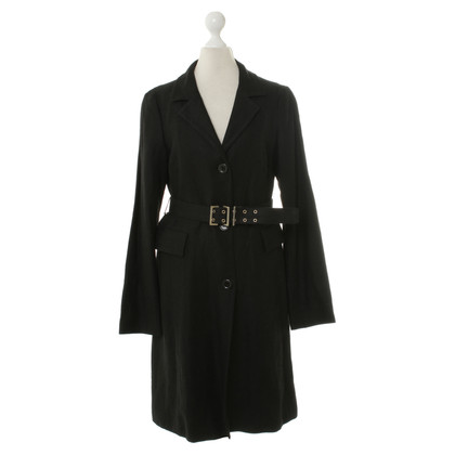 Hugo Boss Trench coat in black