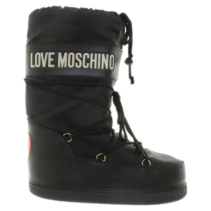 Moschino Love Snow boots with applications