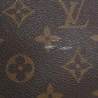 Louis Vuitton Travel case made of monogram canvas