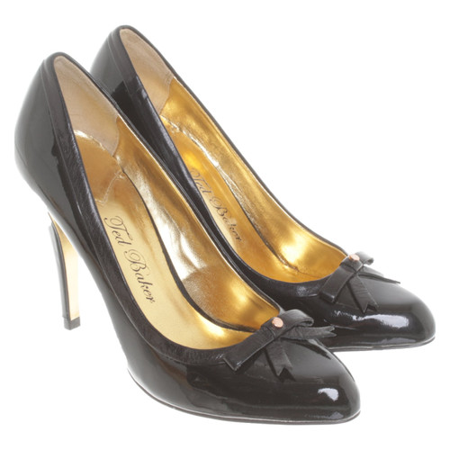 f526129d0 Ted Baker Pumps/Peeptoes Patent leather in Black - Second Hand Ted ...