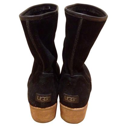 UGG Australia stivali di camoscio in fila