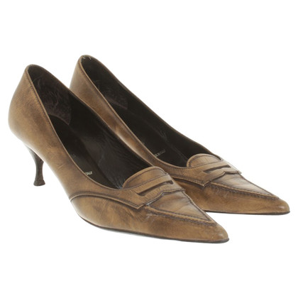 Prada pumps in beige / black