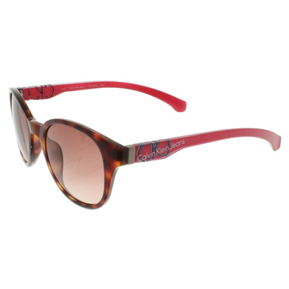 Calvin Klein Sunglasses with shieldpatt pattern