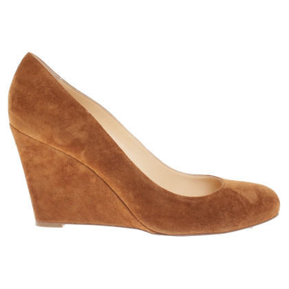 Christian Louboutin Suede pumps in light brown