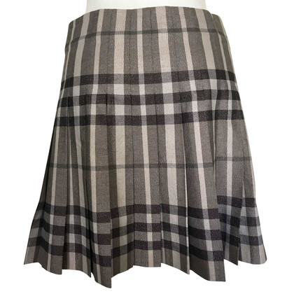 Burberry Pleated skirt with pattern
