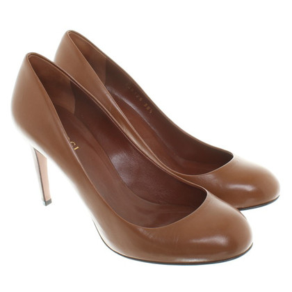 Gucci Leather Pumps in Brown
