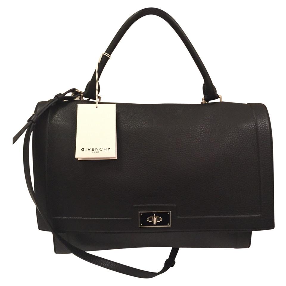 givenchy handtasche second hand givenchy handtasche gebraucht kaufen f r 800876. Black Bedroom Furniture Sets. Home Design Ideas