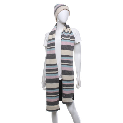 Tommy Hilfiger  Scarf and hat with striped pattern