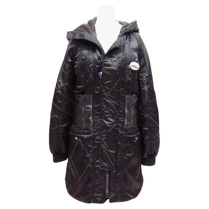 Christian Dior manteau en nylon avec une capuche et détails