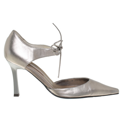 Adolfo Dominguez pumps made of leather