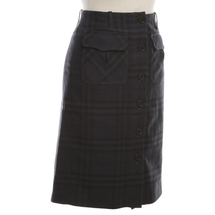 Burberry Pleated skirt in dark blue with check pattern