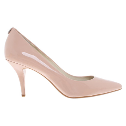 Michael Kors pumps in patent leather