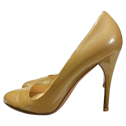 Prada Lakleer pumps in nude
