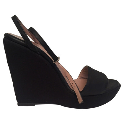 Ferre Wedge sandals in black